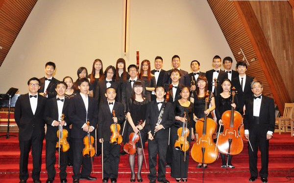 中国艺术歌曲《祖国,慈祥的母亲》,女子乐坊由古筝演奏家秦子雯,二胡